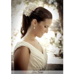 Novia con cola, peinado de novia diferente, novia natural, Pronovias, fotografos Murcia, Silvia Ferrer.
