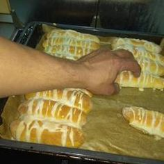 Perecrúd   Antukné Ildikó receptje - Cookpad receptek Waffles, Breakfast, Recipes, Food, Morning Coffee, Essen, Waffle, Meals, Eten
