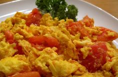 Scrambled Eggs with Tomatoes. Recipe on - Scrambled Eggs with Tomatoes. recipe on - 21 Day Fix Breakfast, Breakfast Recipes, Popular Chinese Dishes, Chinese Food, Stir Fry With Egg, Food For Pregnant Women, Low Sodium Recipes, Brunch Dishes, Egg Dish