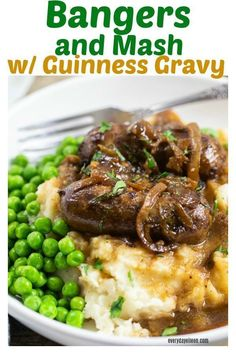 Granny's Bangers and Mash Recipe Delicious Irish Bangers with caramelized onions and Guinness gravy over mashed potatoes and green peas. Delicious sausages in a rich brown gravy! Sausage Recipes, Pork Recipes, Cooking Recipes, Crockpot Recipes, Lemon Recipes, Shrimp Recipes, Cheese Recipes, Potato Recipes, Casserole Recipes