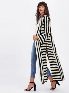 SheIn offers Block Stripe Slit Side Kimono more to fit your fashionable needs. Look Kimono, Kimono Outfit, Kimono Cardigan, Kimono Jacket, Kimono Fashion, Hijab Fashion, Fashion Clothes, Fashion Dresses, Look Fashion