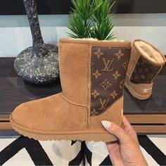 Find tips and tricks, amazing ideas for Hermes handbags. Discover and try out new things about Hermes handbags site Replica Handbags, Lv Handbags, Fashion Handbags, Louis Vuitton Shoes, Vuitton Bag, Louis Vuitton Handbags, Hulk, Best Designer Bags, Designer Shoes