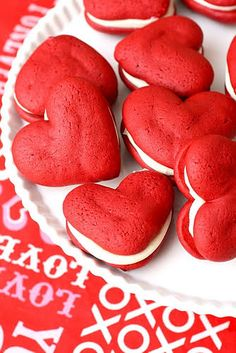 Find a recipe to make these red velvet whoopie pie hearts HERE at Annie's Eats.[tags]whoopie pie, red velvet, hearts, Valentine's Day[/tags] Yummy Treats, Delicious Desserts, Sweet Treats, Dessert Recipes, Yummy Food, Dessert Healthy, Yummy Recipes, Recipies, Cookie Recipes