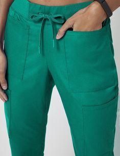 Stylish Scrubs, Scrubs Outfit, Lab Coats, Guernica, Medical Uniforms, Medical Scrubs, Hunter Green, Stylish Outfits, Man Shop