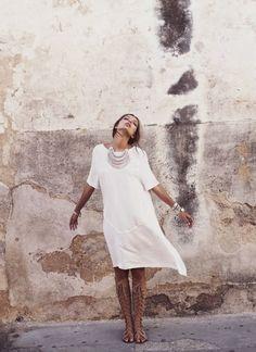 summer style - white summer dress and silver Bohemian Style, Boho Chic, Hippie Chic, Boho Gypsy, Hippie Style, Moda Hippie, Estilo Hippy, Look Fashion, Womens Fashion