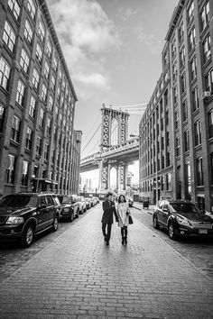 브루클린 덤보 지역에서 촬영한 뉴욕 허니문 스냅 사진입니다.