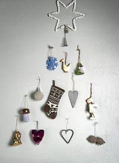 ♥,... I like the cozy mood of it :) xmas tree wall decor