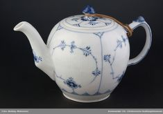Royal Copenhagen, Tea Pots, Tableware, Dinnerware, Dishes, Place Settings, Tea Pot, Tea Kettles