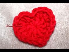 This pattern is very simple, it´s perfect for beginners because we crochet only 2 rounds, and that´s all :) Material I used: King cotton yarn, mm hook. Diy Crochet, Crochet Toys, King Cotton, Heart Patterns, Diy And Crafts, Make It Yourself, Knitting, Blog, Youtube