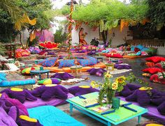 Las Dalias market in Ibiza. On wednesdays in the summer they organise Namaste Night, with live music, food. it's a very special place in the island Beautiful Islands, Beautiful Places, Ibiza Holidays, Places To Travel, Places To Go, Ibiza Formentera, Ibiza Fashion, Destinations, Balearic Islands