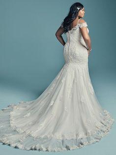 fd9b9e6da71f Maggie Sottero Wedding Dress DELLA-LYNETTE 8MC750AC Plus-Back Plus Size  Wedding Gowns,