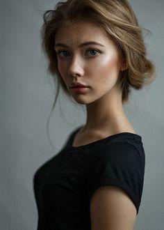 N. make-up/hair: Ania Makushine #Eyes #Face #Girl #Portrait Author: Казанцев Алексей