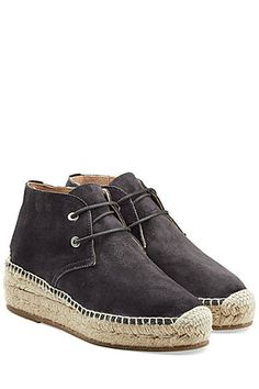 In brushed black suede, Rag & Bone have elevated the casual espadrille by styling this pair with a chunky wedge. The easiest way to elongate your silhouette, they have all of the signature styling - from a reinforced toe to a contrast stitched trim #Stylebop