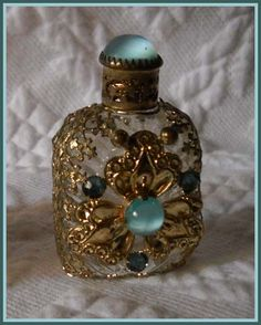 Mini Perfume Bottle ID M7C