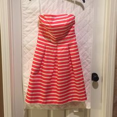 Gap dress Strapless, zips in back, coral & white stripes, worn once GAP Dresses Strapless