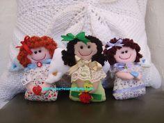 Tres simpáticos angelitos de tela con todo detalle hechos artesanalmente