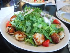 Uncle Vinnie's Clam Bar, Raritan, NJ: Scallops  http://njmonthly.com/blogs/tablehopwithRosie/2012/9/12/restaurant-news.html#read_more