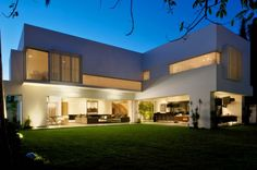 Casa LH by Di Vece Arquitectos + Asociados