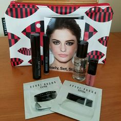 🎉HP🎉Bobbi Brown mini makeup set💗 Everything you need for a Classic natural Bobbi look. Travel friendly set includes smokey eye mascara in black, long-wear cream shadow stick in Taupe, mini lip gloss in Buff, soothing cleansing oil .50 Oz, extra eye repair cream packet, and extra repair moisture cream packet.💗 💥free sephora cosmetic bag included 💥 Sephora Makeup