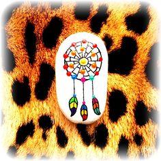 Uśmiechniętej soboty ;) #handpaintedstones, #kamienieręczniemalowane, #paintedrocks, #paintedstones, #kamieniemalowane, #malowanekamienie, #malującakamienie, #paintingstones, #niezchinzpolski, #tęczowekamyki, #rainbowpebbles, #handpainteddecor, #heartdecor, #dotpainting, #dots, #mandalastones, #dreamcatcher