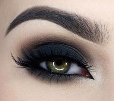Black eyeshadow  #billionaireluxe