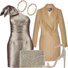 L'abito mono spalla è aderente ed in tessuto luccicante color oro. Perle, strass e glitter sono presenti anche nella pochette con catenella e nei sandali con tacco a spillo, entrambi color oro. Color oro sono anche gli orecchini a cerchio attorcigliato. Il cappotto con il collo a frange, invece, è color cammello.