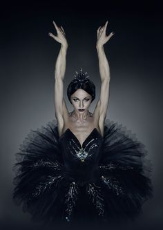 Photo by Erwin Olaf, dancer: Anna Tsygankova