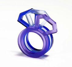 """Rachel McKnight - bague en matière synthétique """"Perpex Diamond"""" - 15 FS - pc, 45 FS.- les trois - divers coloris - à galerie CARACTERE / https://www.facebook.com/photo.php?fbid=419144188129161=a.418606121516301.90390.281727231870858=1"""
