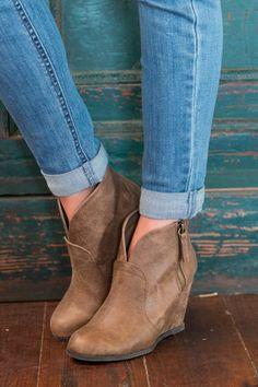 503c7386b33 7 Best comfort shoes images