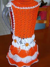 Resultado de imagem para edina oliveira croche Crochet Kitchen, Crochet Home, Crotchet, Doilies, Christmas Stockings, Diy And Crafts, Crochet Patterns, Stitch, Blanket