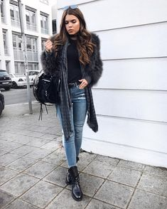 """23.8 mil Me gusta, 207 comentarios - Iva Nikolina Juric (@ivanikolina) en Instagram: """"#ootd with the cutest @bymalina jacket so many were asking about! (Btw code 'ivanikolina' will get…"""""""