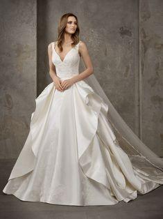 50de7f31f5c Las 42 mejores imágenes de Vestidos de novia 2019 | Vestidos de ...