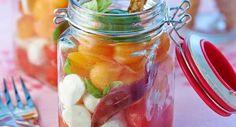 Fraîcheur de pastèque et de melon à la mozzarellaVoir la recette de la Fraîcheur de pastèque et de melon à la mozzarella >>