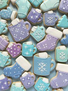 Hot Chocolate Cookies, Cocoa Cookies, Iced Cookies, Royal Icing Cookies, Cookies Et Biscuits, Christmas Sugar Cookies, Holiday Cookies, Christmas Desserts, Christmas Baking