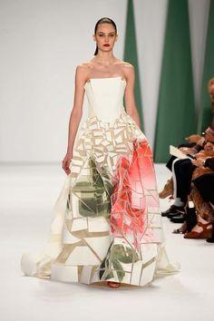 Carolina Herrera New York Fashion Week Spring 2015 Runway