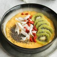 Smoothie bowl mango and coconut milk {Vegan - gluten-free} Vegan Keto Diet, Vegan Keto Recipes, Raw Food Recipes, Healthy Recipes, Ketogenic Diet, Keto Diet Breakfast, Breakfast Bowls, Breakfast Recipes, Plant Based Breakfast
