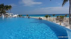 LeBlanc in Cancun - the infinity pool, to gaze out and let your thoughts wander
