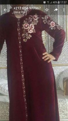 Embroidery On Kurtis, Kurti Embroidery Design, Hand Embroidery, Moroccan Dress, Long Blouse, African Dress, Blouse Designs, Tunic Tops, Clothes For Women