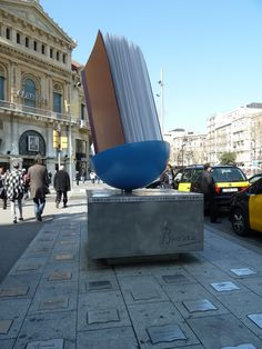 """""""Monument al llibre"""" (Monument to the Book"""") by Abigail Gawith 