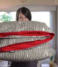 How to sew a duvet cover (video)