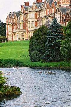 Sandringham House, Norfolk, England, owned by the British Royal Family, where The Queen and the senior royals spend each Christmas. England Ireland, England And Scotland, England Uk, Norfolk England, English Manor, English Countryside, Wonderful Places, Beautiful Places, Royal Residence