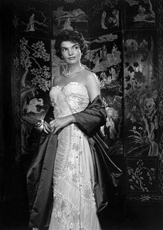Jackie Kennedy photographed by Yousuf Karsh, 1957.