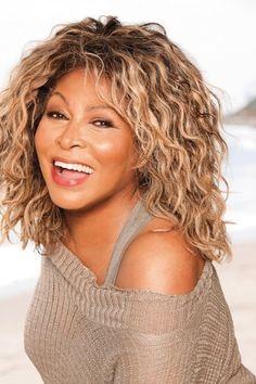 Tina Turner: The Ultimate Experience: Tina Turner: Ageless Beauty