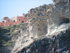 Rock Cliff #places #nature #earth #beaches #ocean #adventure #travel #trekking #map #photographs #herbs #hiking #images #sightseeing #mountains #infrastructure #buildings #water #Travelwednesday #santoriniisland #perissabeach #fira #Greece
