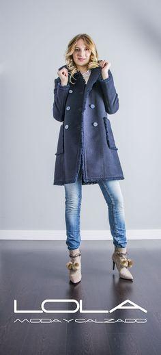 Porque hay clases de abrigos... y abrigos con clase. Tu abrigo TWIN SET es de los segundos.  Pincha este enlace para comprar tu abrigo en nuestra tienda on line:   http://lolamodaycalzado.es/otono-invierno-2016/876-abrigo-de-lana-y-algodon-en-azul-de-twin-set.html