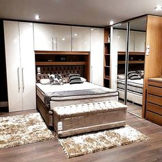 33 Fabulous Ideas White Gloss Bedroom Furniture for Elegant People,Bedroom contains some stuf… – Yatak odası iç mekan – Mensch Bedroom Cupboard Designs, Wardrobe Design Bedroom, Bedroom Cupboards, Bedroom Furniture Design, Master Bedroom Design, Bedroom Decor, Furniture Ideas, Small Space Interior Design, Home Room Design