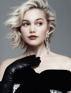 Olivia Holt - MOD Magazine Spring 2019 Issue, Olivia Holt Style, Outfits and Clothes. Olivia Holt, Gloves Fashion, Elegantes Outfit, The Duff, Leather Gloves, Celebrity Photos, Celebrity Gallery, Celebrity Portraits, Celebrity Guys