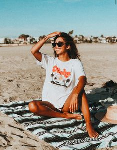 We're keeping our oceans clean with this vibrant, beachy graphic tee. Details Unisex sizing for a relaxed, comfy fit Heavy wash jersey cotton, garment-washed for softness Cute Beach Pictures, Cute Instagram Pictures, Cute Poses For Pictures, Instagram Beach, Instagram Pose, Fun Poses, Cute Photos, Lake Pictures, Beach Pics