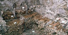 Ossuaire de l'église Saint-Marcel, début du XVe siècle.