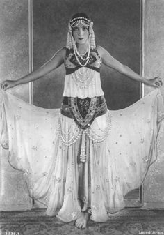 Dolores Del Rio: Dolores Del Rio, dripping with pearls.